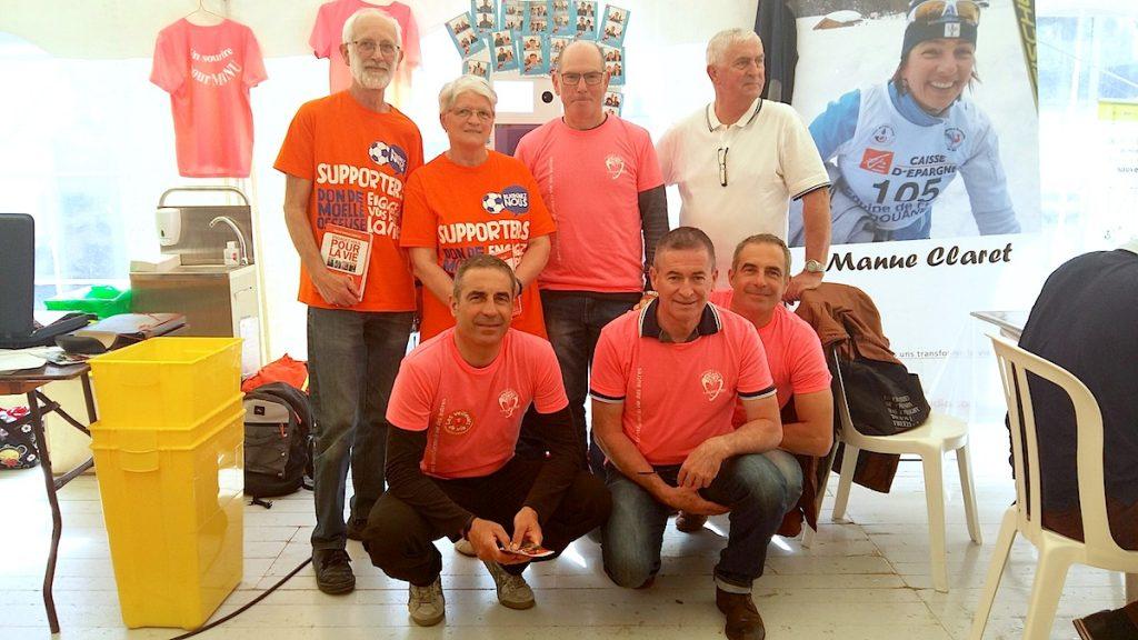 Equipe Sapaudia, des membres du Liseron et d'autres associations donneurs de sang